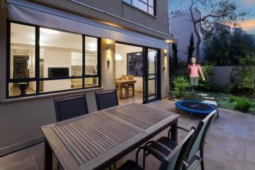 דירה ברחוב הרטגלס, תל- אביב